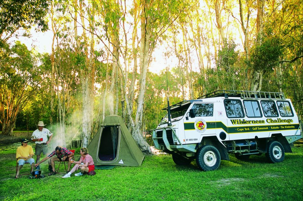 Billabong camping - tourist group Photographer: Tourism Queensland